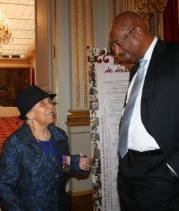 """(c) fxg. Jeanne Catayee et Georges Patient reçu à l'Élysée pour la projection du film """"Parcours de dissidents"""""""