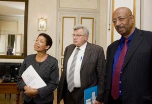 En présence de Mme Pau Langevin, ministre des Outre-mer et M. Eckert, secrétaire d'Etat au budget. 8 sept. 2014